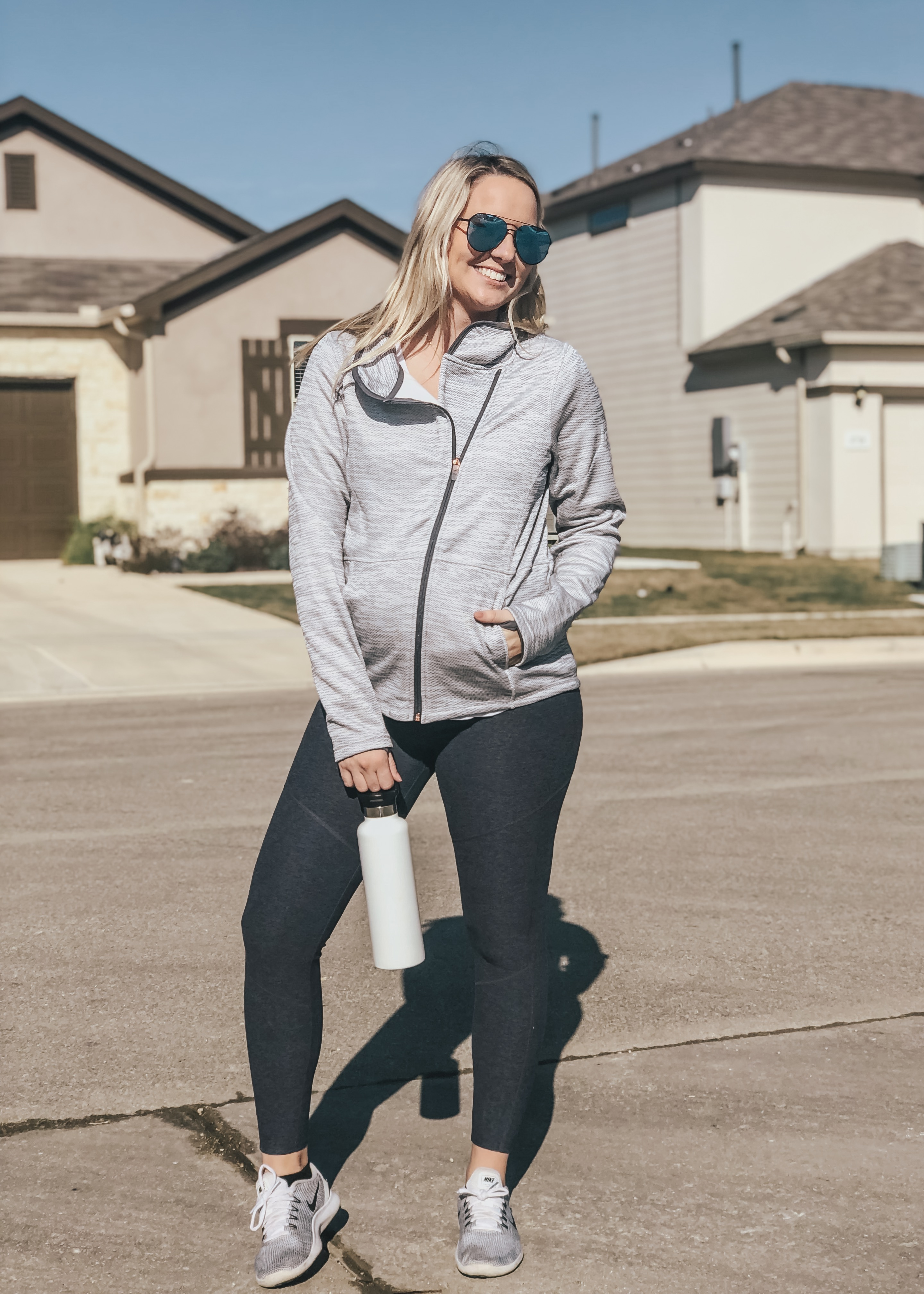 """5b1aebbb6fb60 There is absolutely no way I could wear my """"normal"""" jeans while 7 months  pregnant…NO WAY!"""